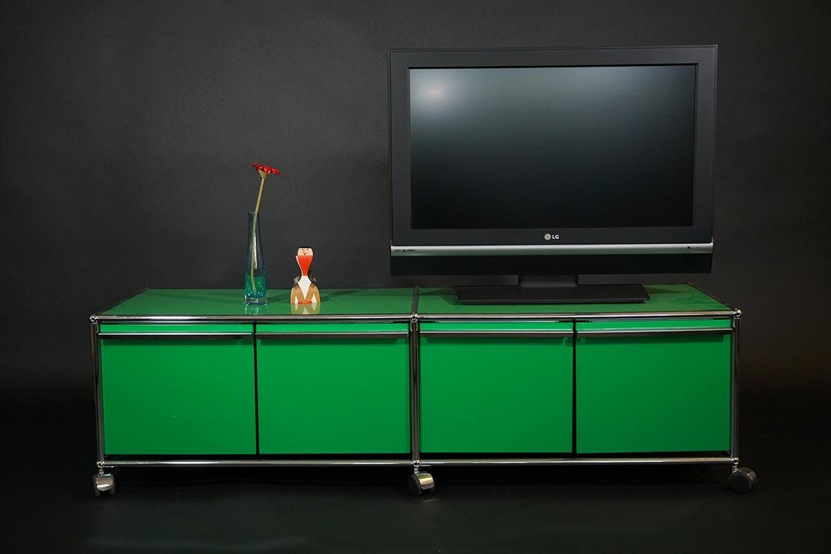USM Haller Lowboard mit 4 Schubladen A4 grün
