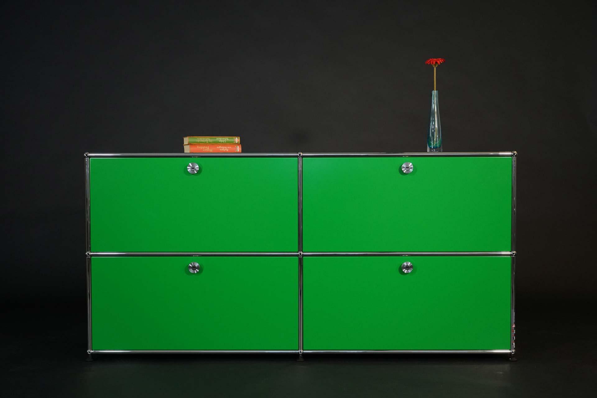 USM Haller Sideboard 2 OH mit 4 Klapptüren grün